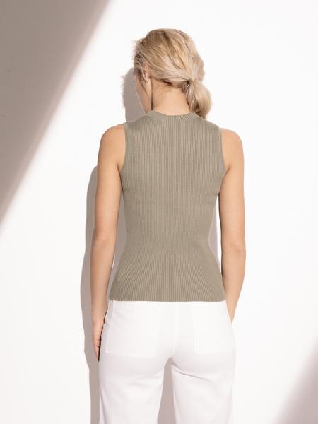 Блузка в рубчик с открытыми плечами - фото 5