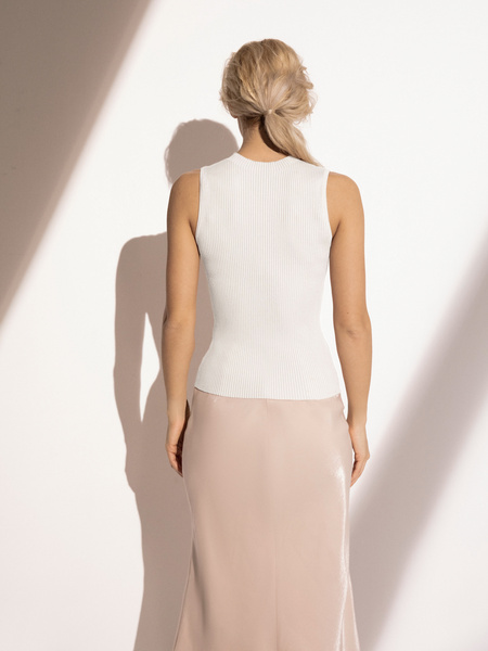 Блузка в рубчик с открытыми плечами - фото 6