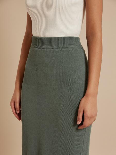 Зауженная трикотажная юбка - фото 3