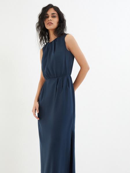 Платье со сборками