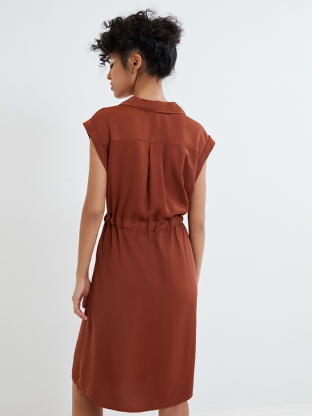Платье-рубашка на поясе - фото 5