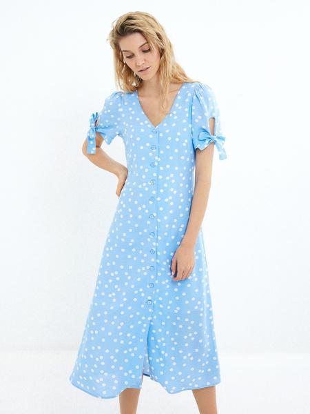Платье с рукавами на завязках