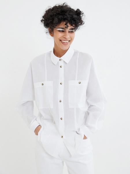 Блузка с карманами на груди