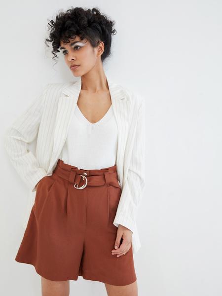 Однотонные шорты с поясом - фото 5