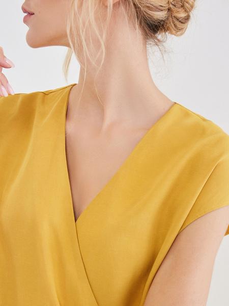 Платье со сборкой на боку - фото 4