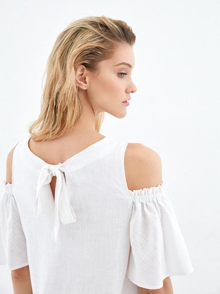 Платье с открытыми плечами - фото 4