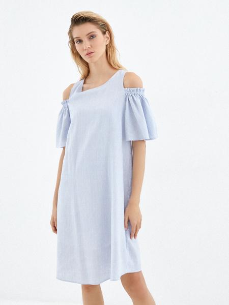 Платье с открытыми плечами - фото 1