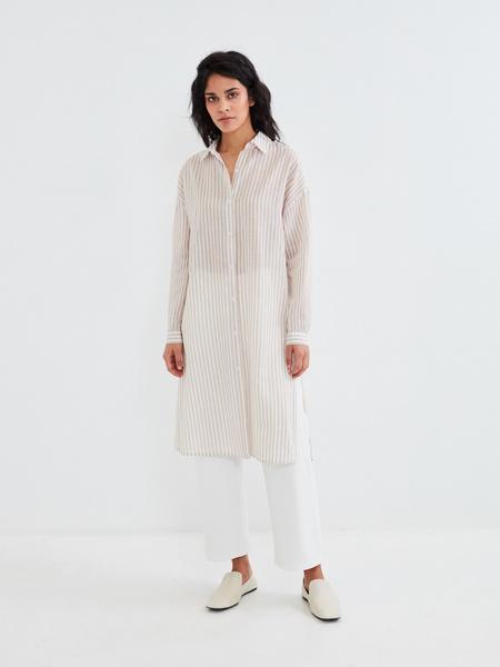 Удлиненная блузка из хлопка и льна - фото 8