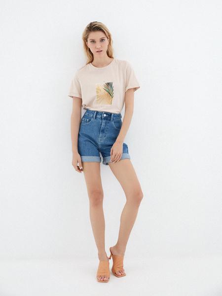 Джинсовые шорты с подворотами