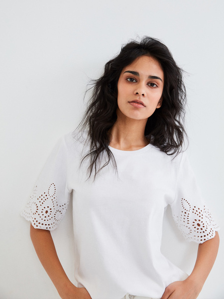 Блузка с ажурными рукавами - фото 1