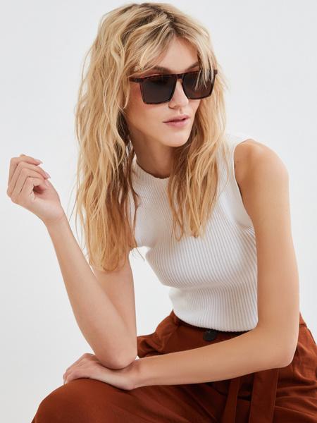 Солнцезащитные очки анималистичный принт