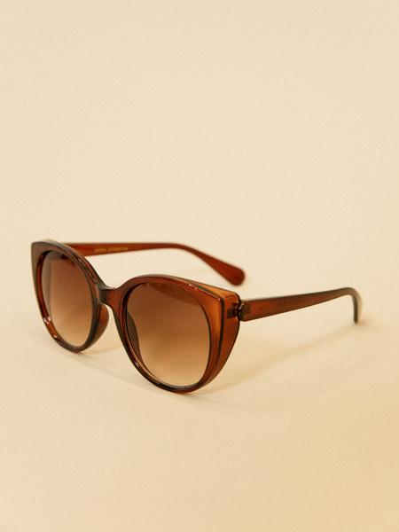 Солнцезащитные очки с уголками - фото 3