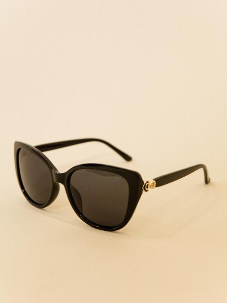 Солнцезащитные очки в пластиковой оправе - фото 3