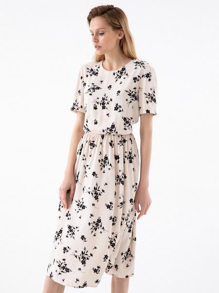 Платье с резинкой на поясе - фото 1