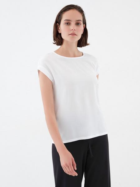 Блузка с подворотами на рукавах
