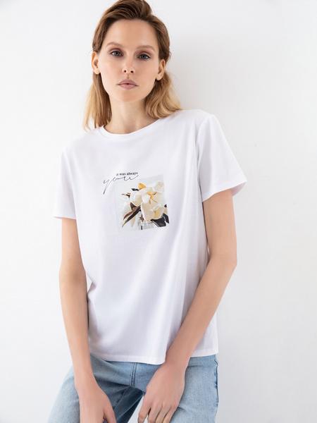 Повседневная футболка с принтом - фото 1