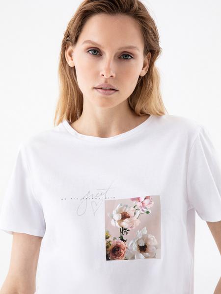 Повседневная футболка с принтом - фото 2