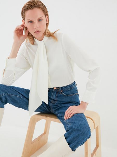Блузка с завязками