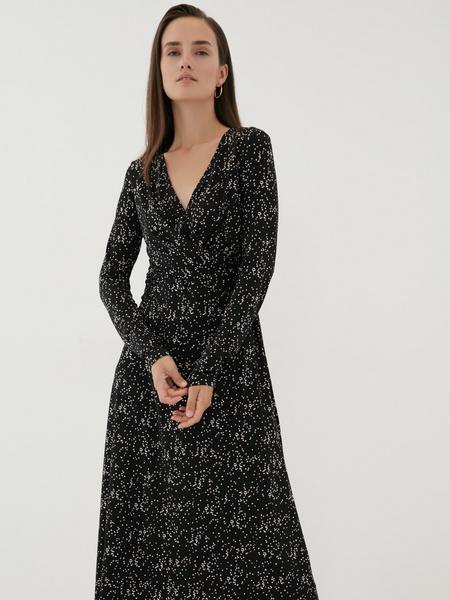 Платье с перекрученным лифом