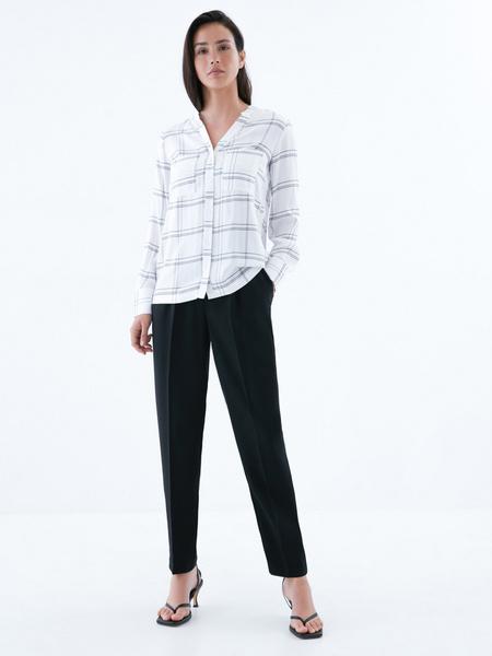 Блузка с карманами на груди - фото 5