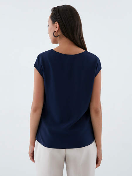 Блузка с треугольным вырезом - фото 5