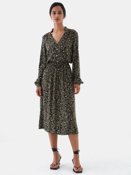 Платье с жемчужными пуговицами - фото 2