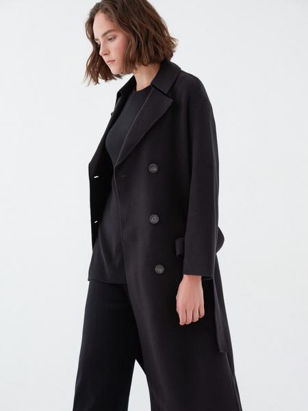 Двубортное пальто на поясе - фото 4