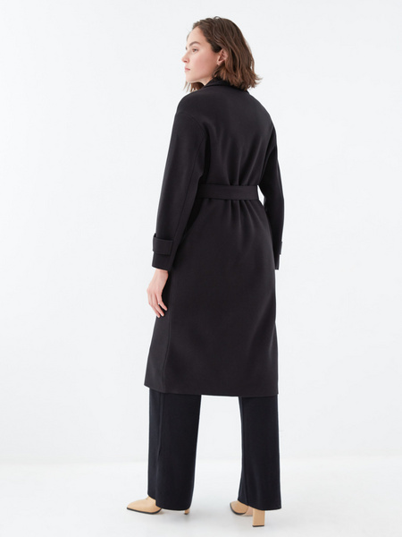 Двубортное пальто на поясе - фото 6