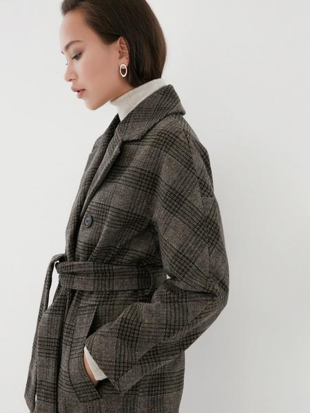 Удлиненное пальто на поясе - фото 4