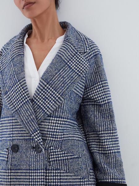 Прямое пальто на пуговицах - фото 3