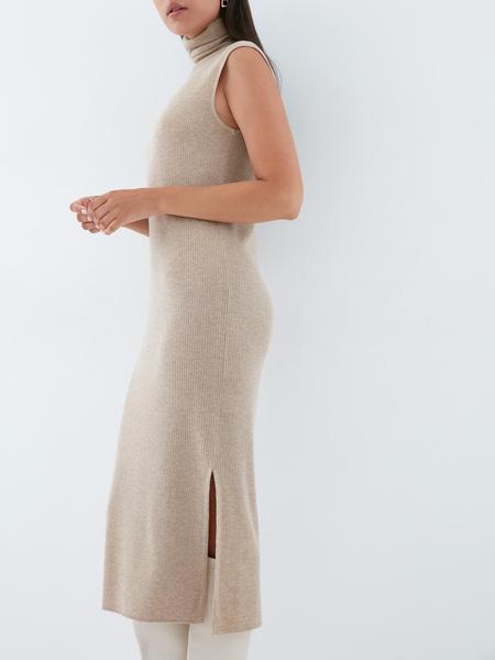 Облегающее трикотажное платье - фото 4