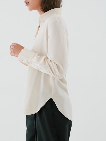 Блузка с удлиненными манжетами - фото 3