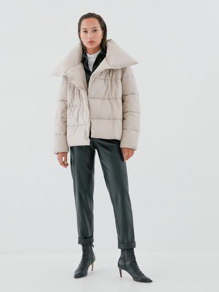 Куртка с объемным воротником - фото 9