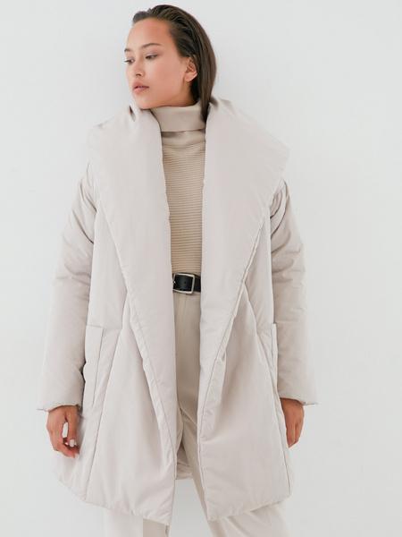 Объемное пальто с поясом - фото 5