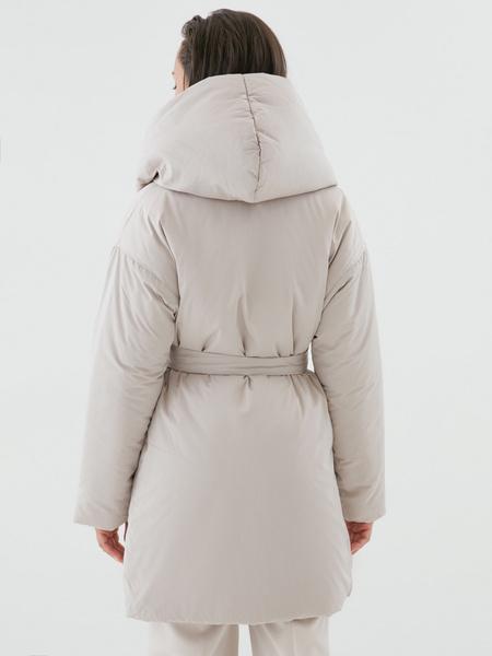Объемное пальто с поясом - фото 6