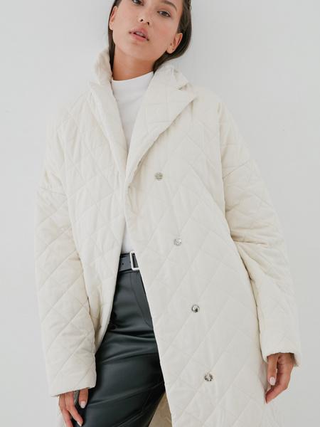 Стеганое пальто на поясе - фото 5