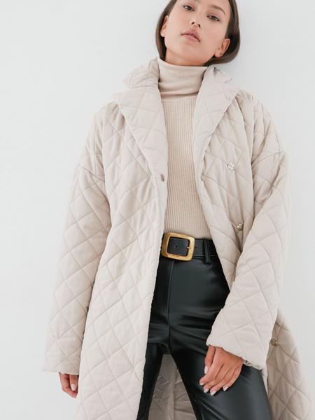Стеганое пальто на поясе - фото 2