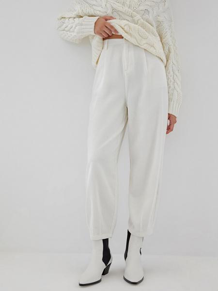 Белые вельветовые брюки - фото 3
