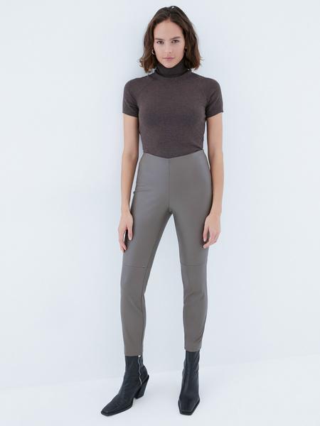 Узкие брюки из экокожи - фото 1