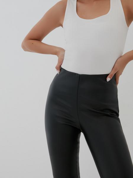 Узкие брюки из экокожи - фото 3