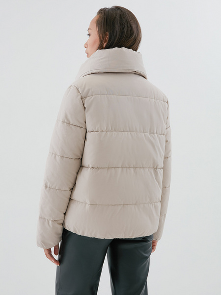 Куртка с объемным воротником - фото 8