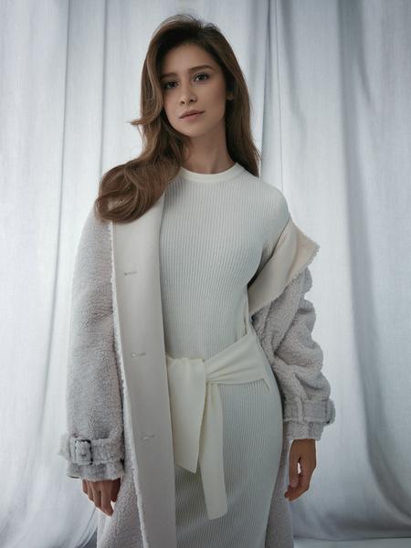 Облегающее платье в рубчик - фото 1
