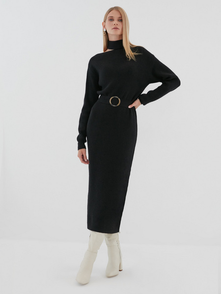 Платье с ассиметричным вырезом - фото 1