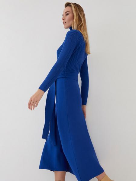 Трикотажное платье-миди - фото 7