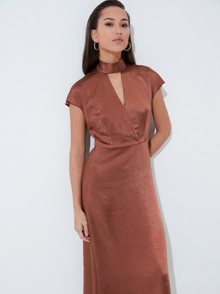 Платье с треугольным вырезом - фото 1
