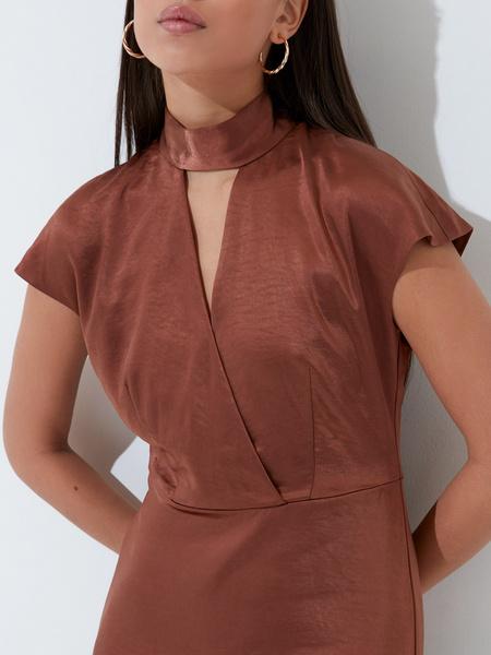 Платье с треугольным вырезом - фото 3