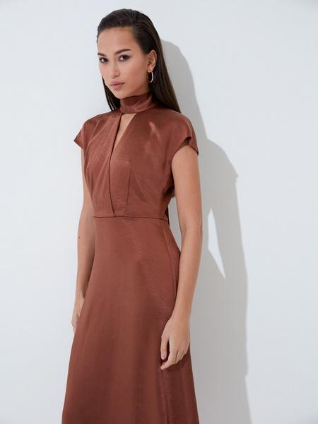 Платье с треугольным вырезом - фото 4