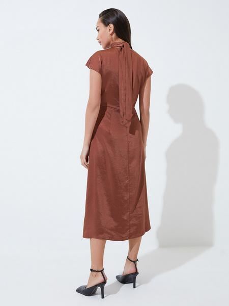 Платье с треугольным вырезом - фото 6