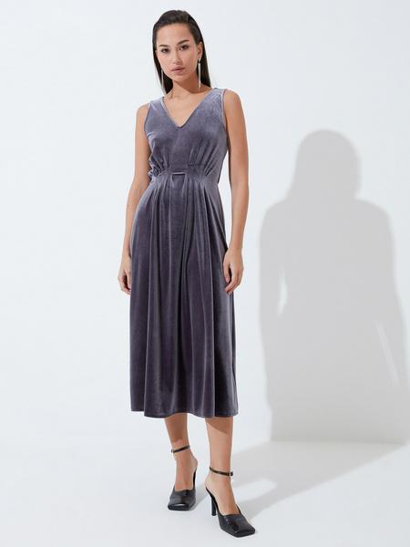 Бархатное платье с треугольным вырезом - фото 2
