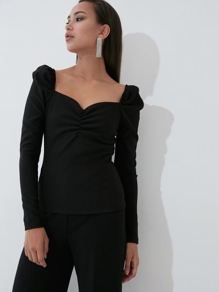Блузка с вырезом  - фото 3